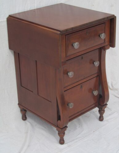 IMPORTANT EARLY 19TH CENT. FEDERAL CHERRY INLAID MARYLAND DROP LEAF WORK TABLE