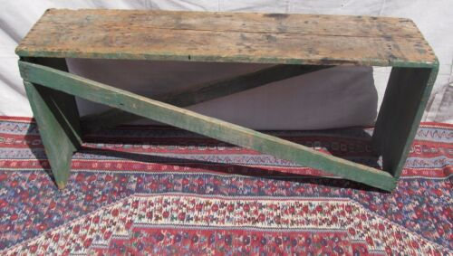 19TH C ANTIQUE NEW ENGLAND PRIMITIVE PINE BUCKET BENCH IN OLD APPLE GREEN PAINT