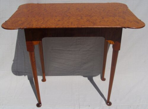 QUEEN ANNE STYLE ELDRED WHEELER QUILTED & TIGER MAPLE PORRINGER TOP TABLE