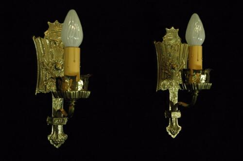 ANTIQUE RESTORED CIRCA 1915 BRASS ACORN & OAK LEAF TUDOR GOTHIC WALL SCONCES