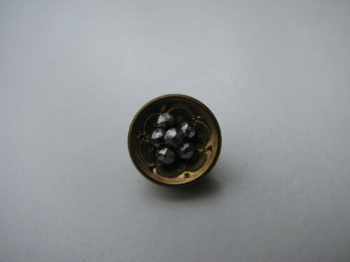 ANTIQUE VTG.MARKED A P & C PARIS ETCHED GOLD METAL CUT STEEL BEADS SEWING BUTTON