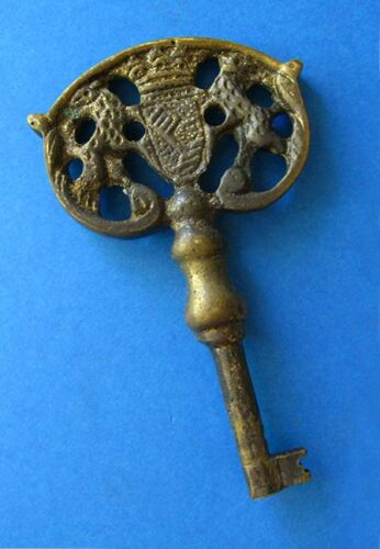 Rare Antique Skeleton Key w/ Crest - Crown - Coat of Arms Large Old Brass Bow