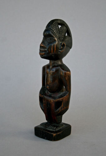 ANTIQUE AFRICAN YORUBA TWIN FIGURE ERE IBEJI - PRIVATE COLLECTION