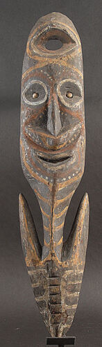 SMILING ANCESTOR SPIRIT HOOK  WASHKUK MOUNTAINS PAPUA NEW GUINEA