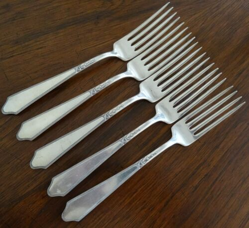 One (1) Lunt Chateau Thierry Sterling Silver Dinner Fork No Mono (5 Available)
