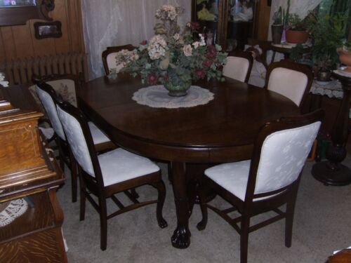 QUARTERSAWN OAK TABLE AND SIX QUARTERSAWN OAK CHAIRS SHIPPING AVAILABLE