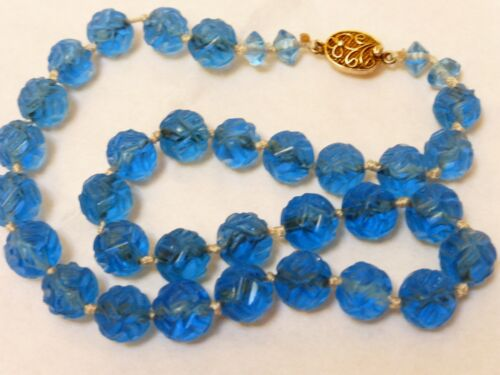 CHINESE ANTIQUE BLUE CARVED PEKING GLASS BEADS NECKLACE, SILVER CLASP