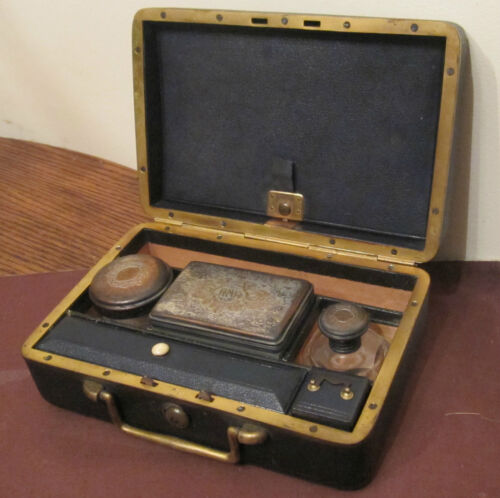 antique high quality MG Paris French vanity grooming bronze box leather set 1800