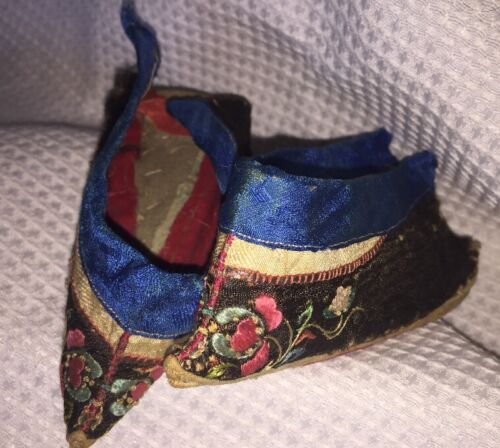 "19th c Chinese Silk Embroidered LOTUS SHOES Slippers / Bound Feet - 5"" long"
