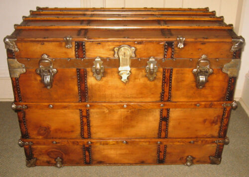 ANTIQUE STEAMER TRUNK VINTAGE VICTORIAN FLAT TOP LARGE SOLID WOOD CHEST TRAY&KEY