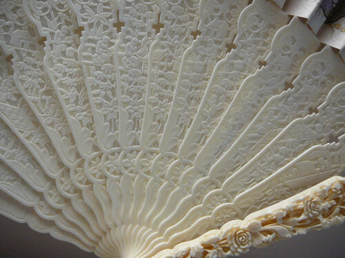 Most beautiful large Chinese Canton brise fan with embriodery w/box 19th/20thC