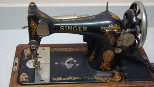 VINTAGE SINGER SEWING MACHINE MODEL 27 with Wood CASE and KEY, 1910 # G8920009