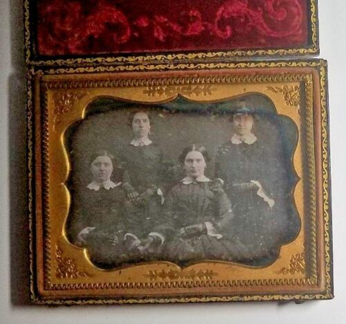 1850s GROUP PORTRAIT OF WOMEN QUARTER PLATE DAGUERROTYPE CASED-FREE USA SHIPPING