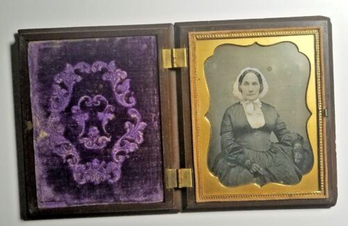 1850s ELDERLY WOMAN PORTRAIT QUARTER PLATE DAGUERROTYPE CASED-FREE USA SHIPPING