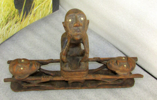 DAYAK 3 FIGURE LIDDED UTILITARIAN SCULPTURE BORNEO CARVED WOOD EARLY MID 1900's
