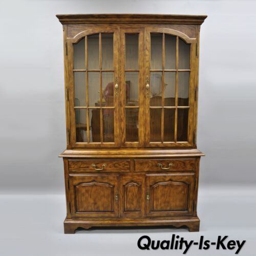 Drexel Heritage Chatham Oaks China Cabinet Cupboard Lighted Hutch Vtg186-124-6