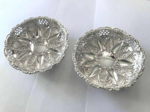 Sterling Silver Embossed Dishes - Mappin Bros  - Birmingham - 1902 / 1903