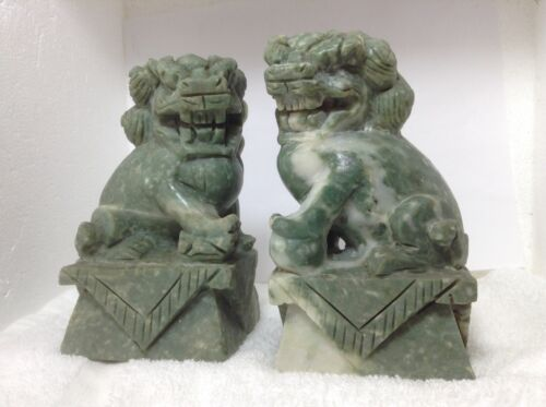 PAIR VINTAGE JADE COLOR HAND CARVED STONE FOO DOGS MARBLE green WHITE