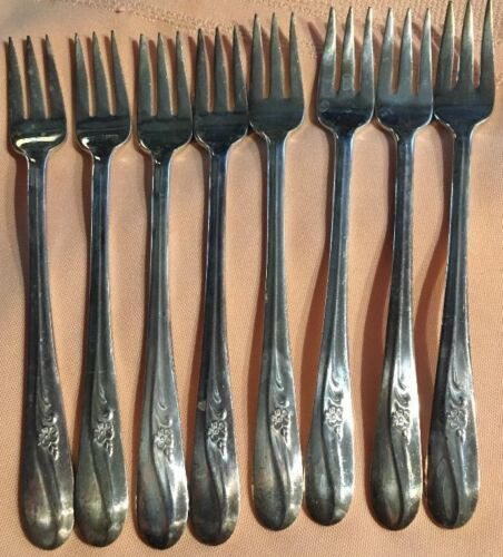 Holmes & Tuttle H&T Mfg Co I/S Meadow Flower Cocktail Seafood Fork 8 P Set *