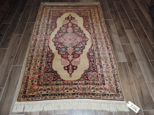 4x7ft. Vintage Handknotted Bulgarian Style Medallion Wool Rug