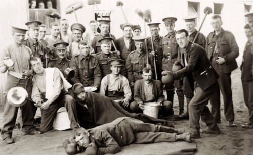 OLD PHOTO Staged Boxing Match Featuring Pals In The Manchester Regiment WWI1914 - 1918 (WWI) - 13962