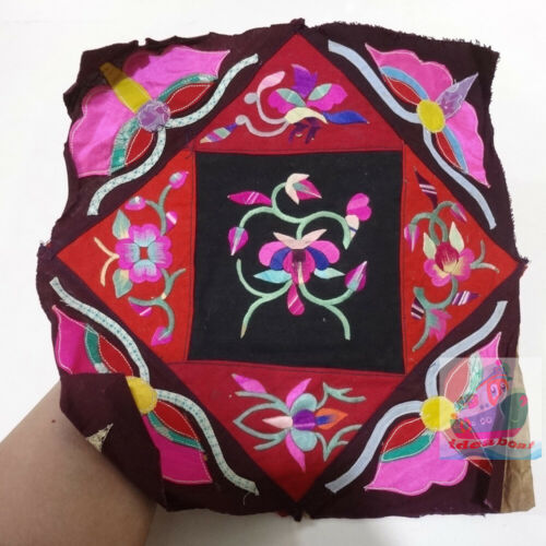 30x30cm Chinese ethnic minority women's Hand Embroidery floral piece