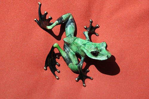 Tim Cotterill Frogman Bronze Frog Watchful Black Belly Full Signature low number