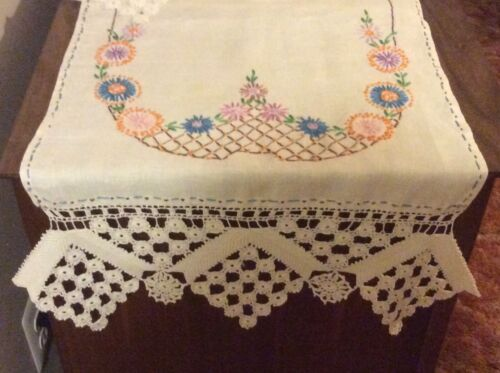 Natural Ivory Linen Arts Embroider Vtg Table Runner Irish Lace Southwest Floral