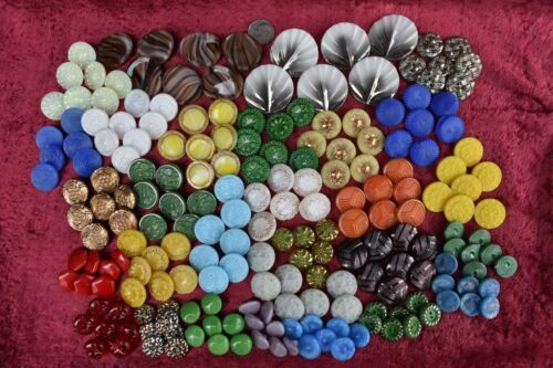 202 pcs LOT OLD CZECH  VINTAGE GLASS BUTTONS