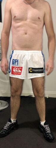"""NEWTOWN JETS RUGBY LEAGUE FOOTY SHORTS - LARGE - 42"""" / 105CM"""