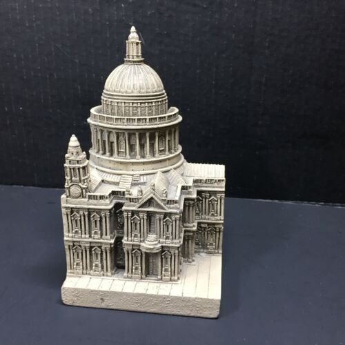 TMS Bookend British Historical Wonders St. Pauls Cathedral London England