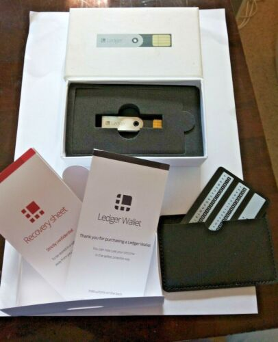 Ledger Nano Cryptocurrency Hardware Wallet  -used- Sending from Melbourne