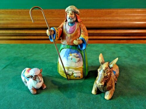 """JIM SHORE HEARTWOOD CREEK """"LET EARTH RECEIVE HER KING"""" NATIVITY FIGURINES, 2003"""