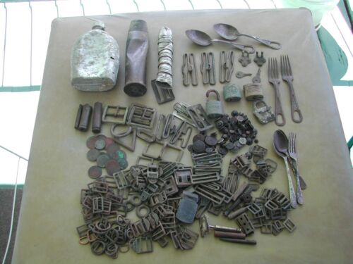 WW2 relics ground dug from SEQ Buckles Buttons Coins Cutlery1939 - 1945 (WWII) - 13977
