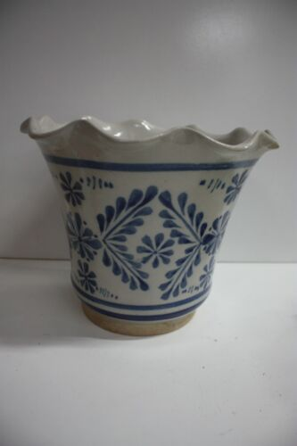 VINTAGE BLUE AND WHITE HAND PAINTED POTTERY PLANTER POT URN
