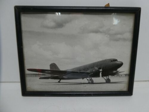 RAAF AIRFORCE MILITARY PHOTOGRAPH WW2 BOMBER AIRPLANE FRAMED
