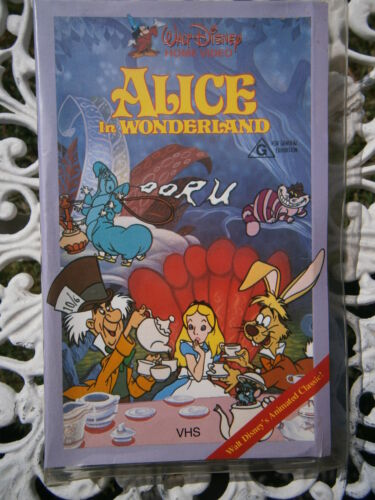 WALT DISNEY CLASSIC ~ ALICE IN WONDERLAND ~ RARE CLAMSHELL PAL VHS VIDEO