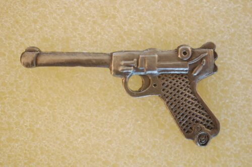 US USA German Luger Auto Automatic Pistol Gun Military Hat Lapel PinOther Militaria - 135