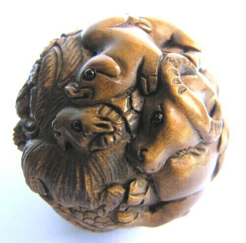 Y010 - Hand carved Boxwood netsuke : 12 Zodiac Animals ball -- 1.5 inches