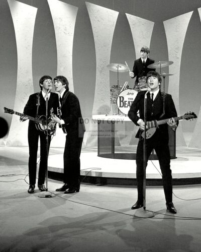 """THE BEATLES PERFORM ON """"THE ED SULLIVAN SHOW"""" IN 1964 - 8X10 PHOTO (ZZ-044)"""