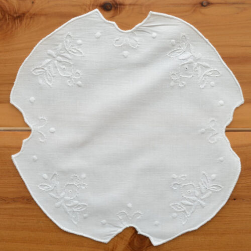 """Vintage Doily Round 9"""" Hand Embroidered Linen Centerpiece Shabby Chic Home Decor"""
