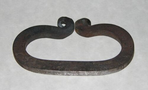 """Hand Forged Flint and Steel Striker (Fire Starting) """"NEW""""Reenactment & Reproductions - 156380"""