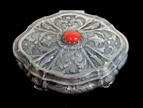 INCREDIBLY FINE VINTAGE ITALIAN 800 SILVER & CORAL ENGRAVED SNUFF BOX