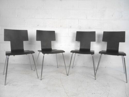 Set of Mid-Century Style Italian Bentwood Dining Chairs (7508)NJ