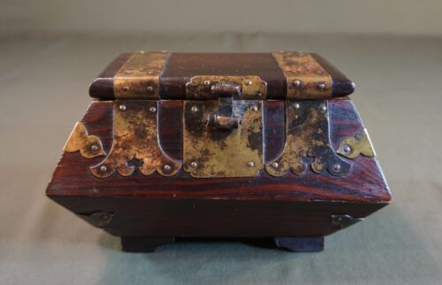 Very Fine Early 1900 ~ 20's Korean Jewelry Pinewood Box w Beautiful Brass Deco
