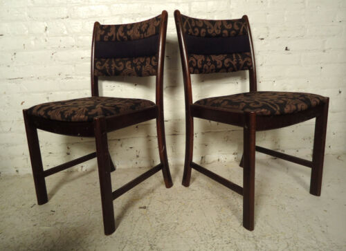 Four Mid-Century Rosewood Dining Chairs 09645NZ
