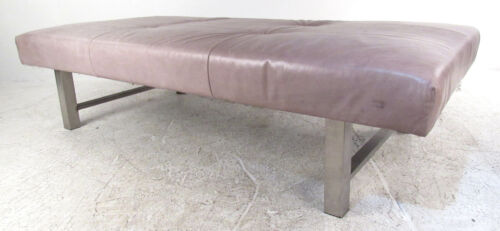 Mid-Century Modern Leather Daybed (9179)NJ