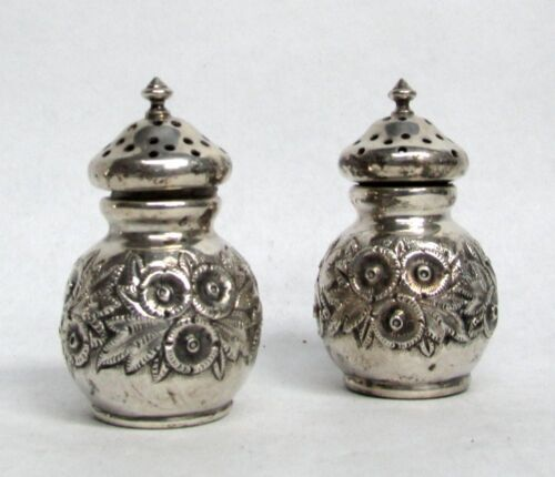 VINTAGE REED & BARTON STERLING SILVER FLORAL REPOUSSE' PERSONAL S & P SHAKERS