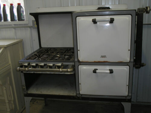 Vintage Clark and Jewel Cream and Green Gas Stove and Oven 1923-1926 WORKS