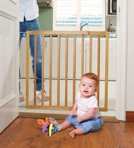 Dreambaby Hudson Child Toddler Safety Stair Gate Barrier Natural Wood